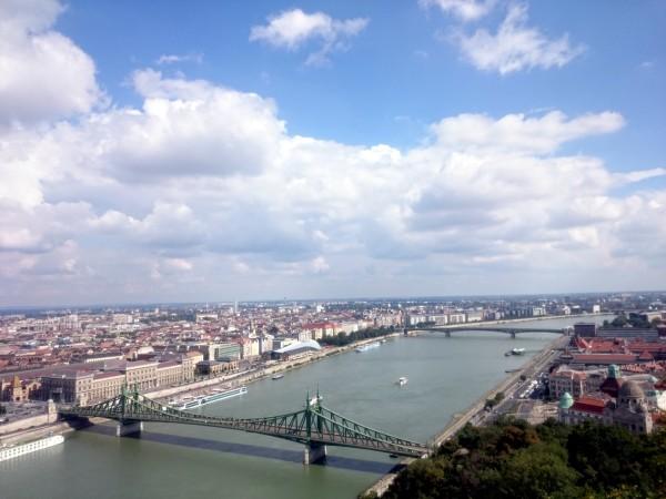 Вид на Дунай с холма Гелерт